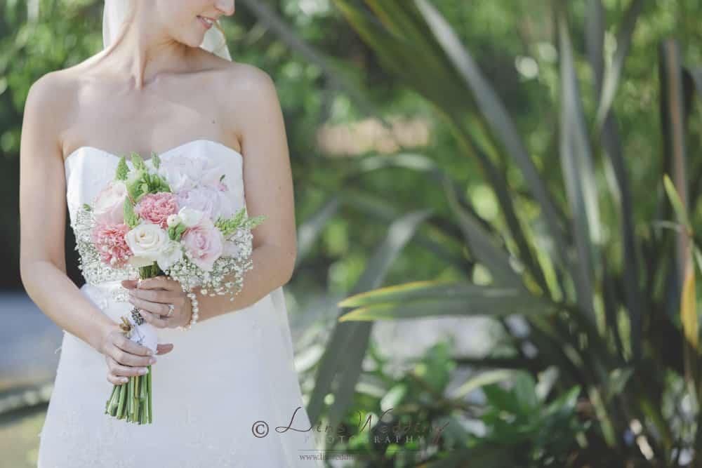 A contemporary fine art bride wedding portrait by Lin Wedding Photography